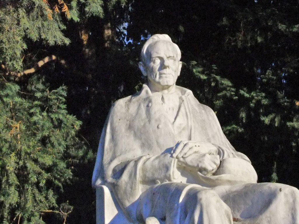 Rosegger-Denkmal